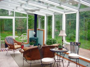 How to Avoid Mistakes While Hiring a Sunroom Contractor